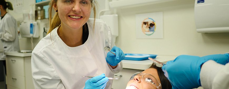 dental assistant student training