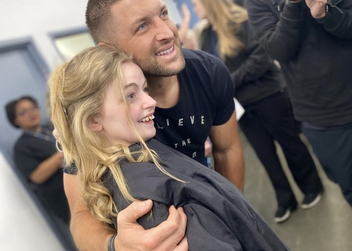 Tim Tebow Visits Delta Technical College's Cosmetology Salon for a Night to Shine Event